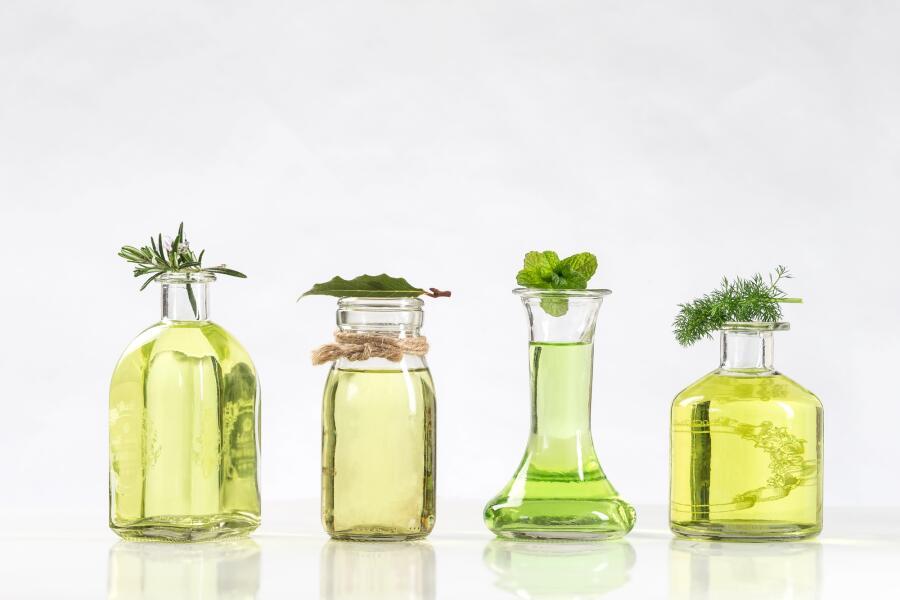 Какое масло для тела выбрать: кокос, орех, флёрдоранж? Секреты применения для правильного питания и увлажнения кожи