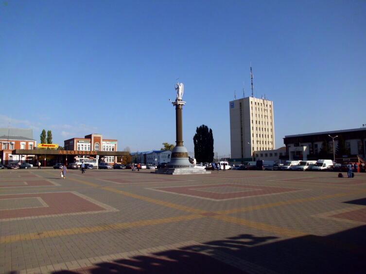 Вокзальная площадь в г.Лиски