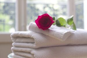 Что подарить на 8 Марта? Текстильные подарки для любимых женщин