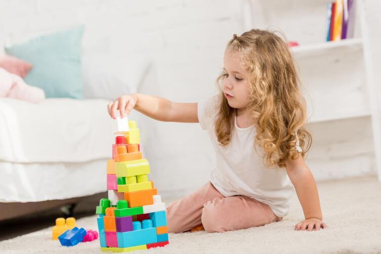 Сократите количество игрушек, чтобы за ними можно было легко следить