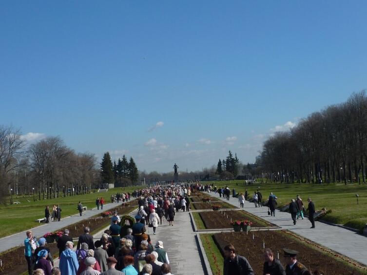Пискаревское кладбище 8 мая