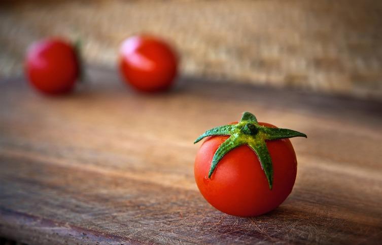 В Италии были популярны кухонные таймеры в виде томата, отсюда и название техники