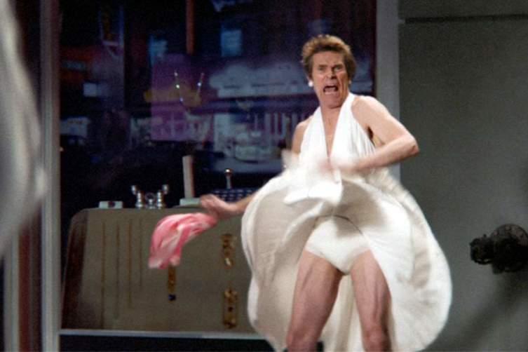 Знаменитые кинонаряды. Как ноги рекламировали платье, а платье - ноги?