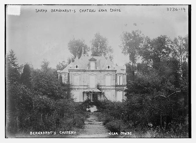 Замок Сары Бернар близ Конде, Франция