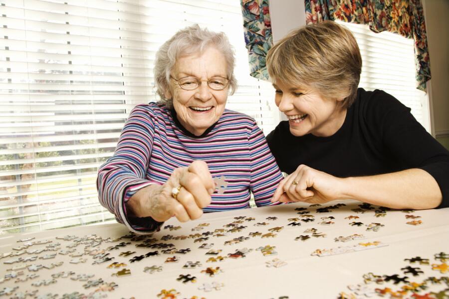 Должны ли дети содержать своих престарелых родителей?