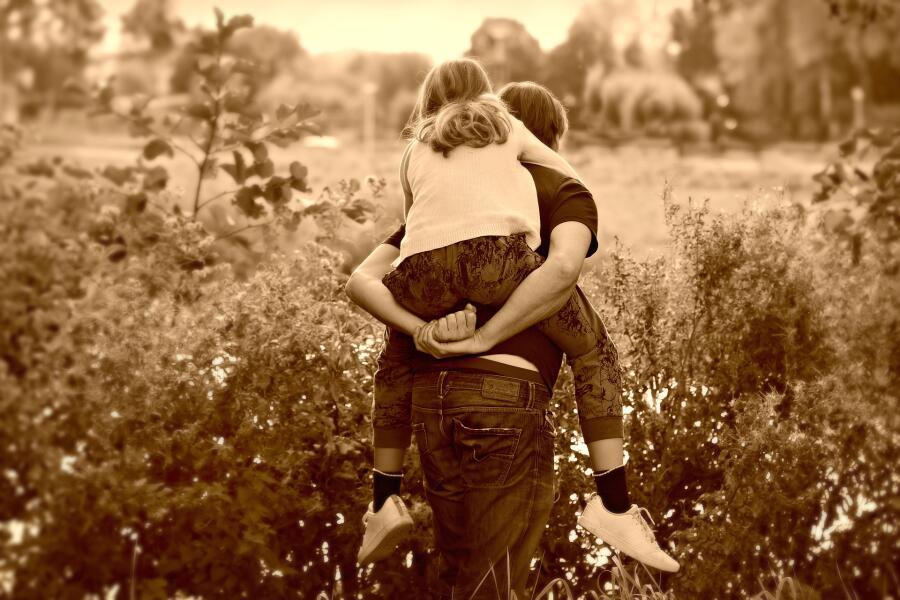 Могут ли мужчины быть заботливыми отцами?