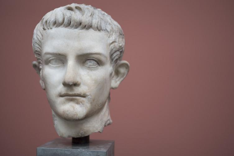 Откуда во времена Калигулы могли быть антикоррозийные материалы?