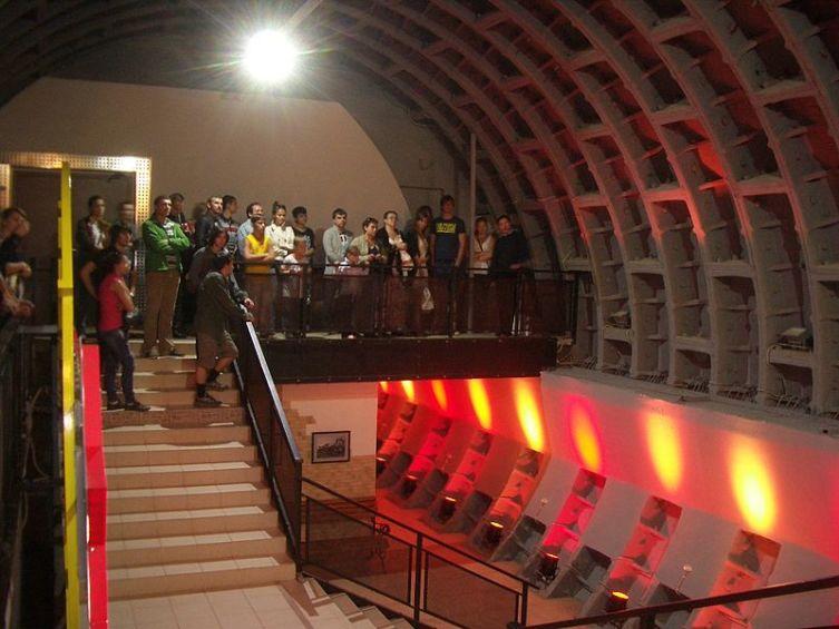 Экскурсия в подземный бункер на Таганской, построенный во времена Холодной войны