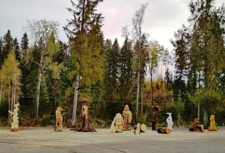 Площадка со скульптурами