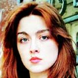Повзрослев, юная поэтесса оказалась никому не нужной