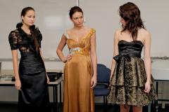 Так как нарядное платье должно выражать вашу сексуальность, то предполагается наличие каких-то открытых участков тела.