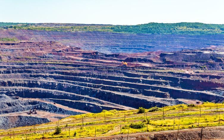 Добыча железной руды в Михайловском поле