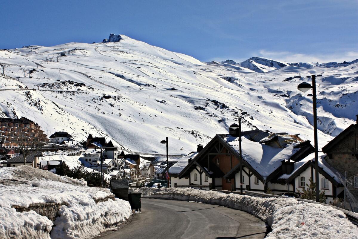 Почему стоит поехать в Андалусию зимой или ранней весной? Часть 1: что выбрать - горы или города