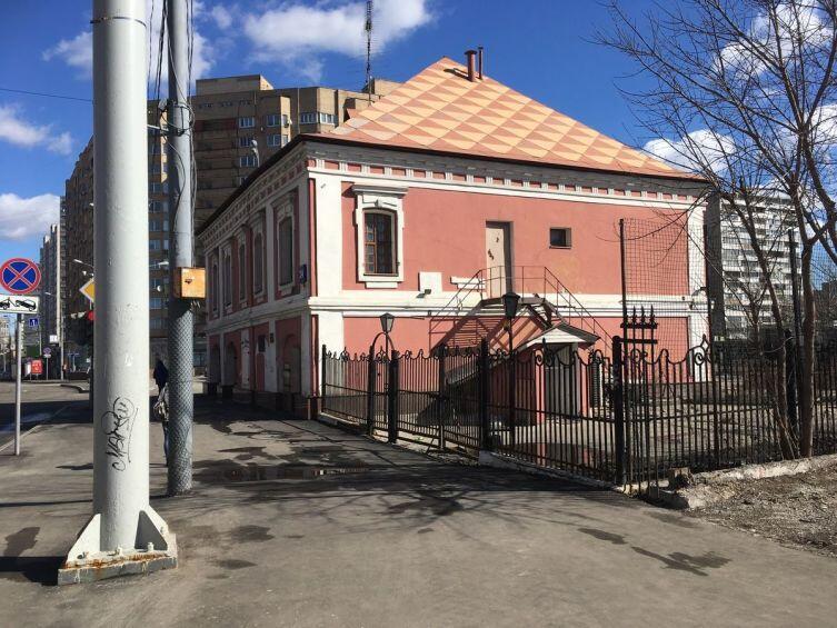 Вид на дом с Бакунинской улицы