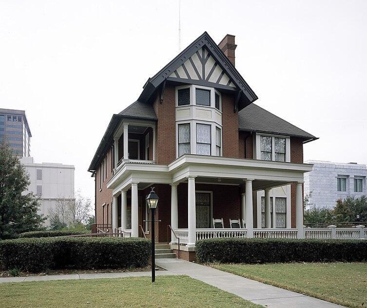 Дом в Атланте, где Маргарет Митчелл писала роман, сегодня является музеем