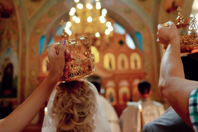 Еще одно суеверие: венчанный брак крепче