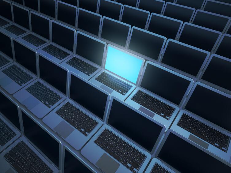 Вы подключаетесь сначала к промежуточному звену, серверу VPN, а уже потом ко всему Интернету