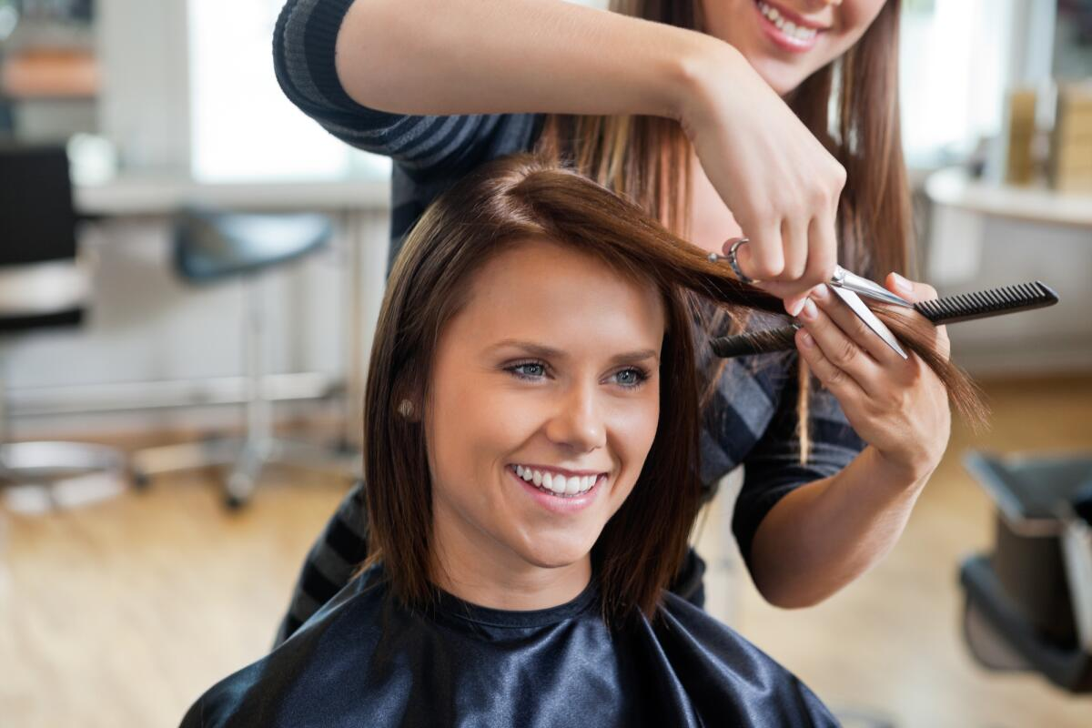 Какие приметы связаны со стрижкой волос?