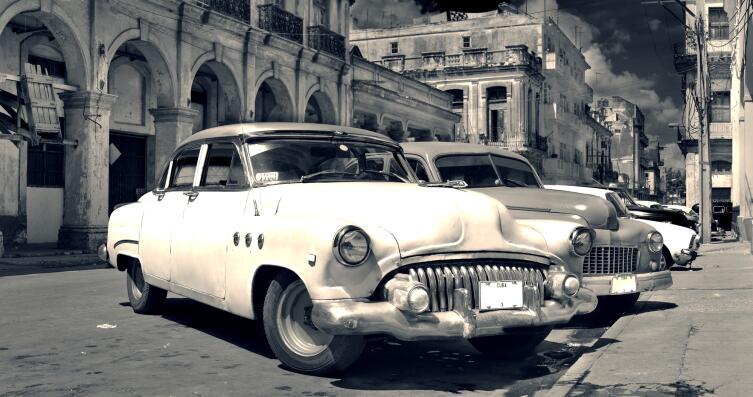 Кто-то коллекционирует ретро автомобили