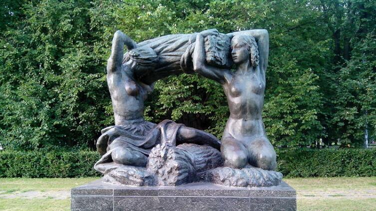 В. Мухина, памятник «Хлеб»