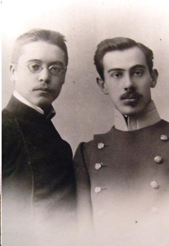 Александр Беляев со смоленским другом Николаем Высоцким