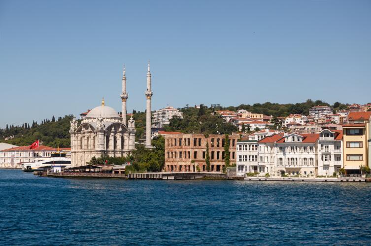 Набережная Мраморного моря в Стамбуле
