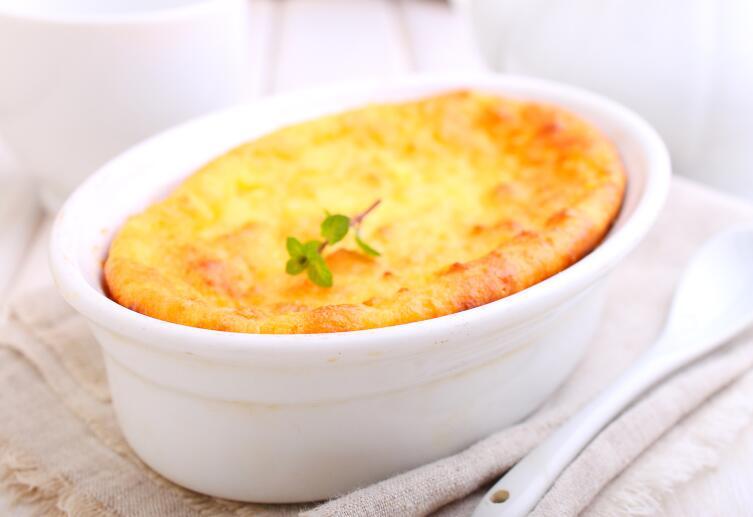 Как накормить капризного малыша блюдами из творога и манки?