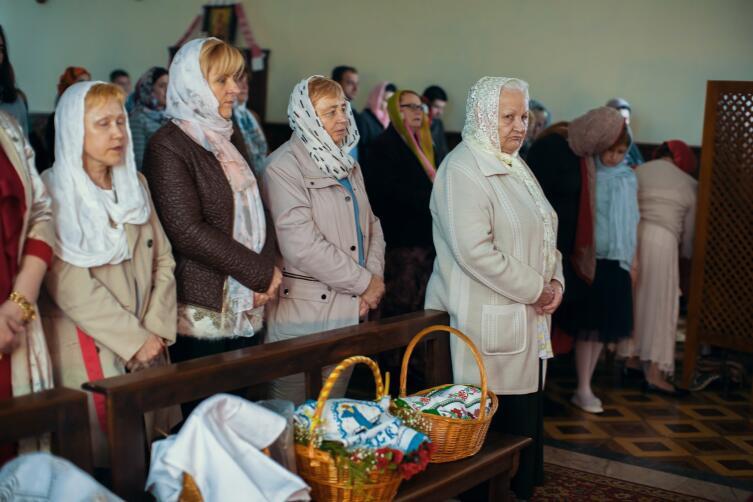Освящение яиц в церкви