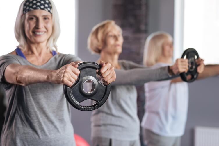Тренировки в пожилом возрасте: что «нового» рекомендуют ученые и тренеры?