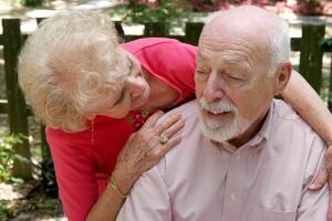 Как распознать болезнь Альцгеймера и что с ней делать?