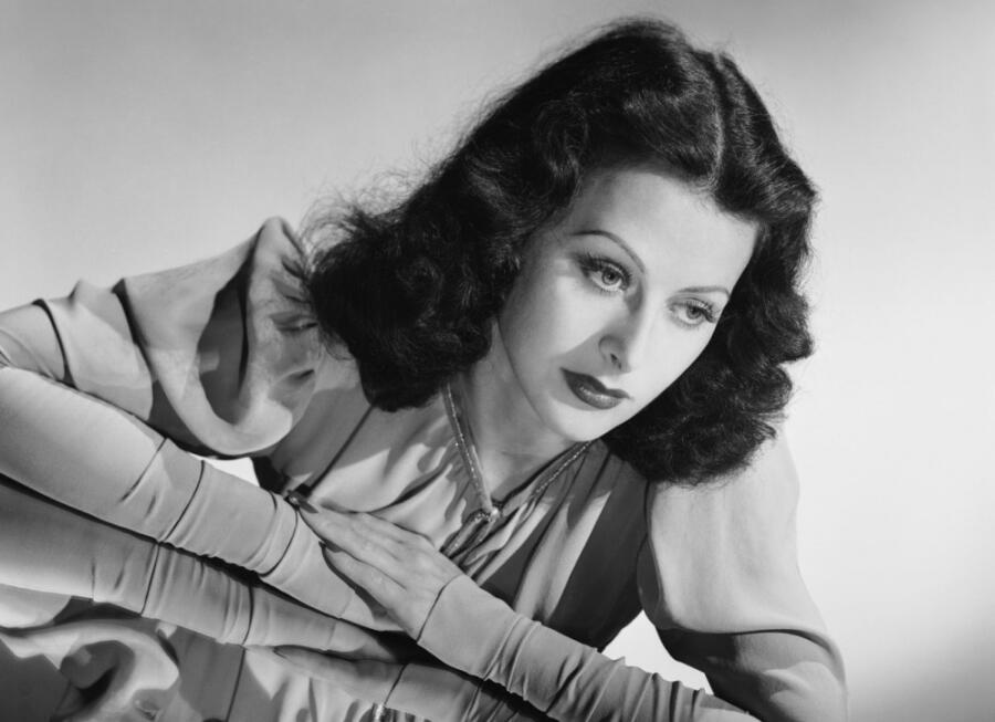 Какое изобретение прославило знаменитую актрису?