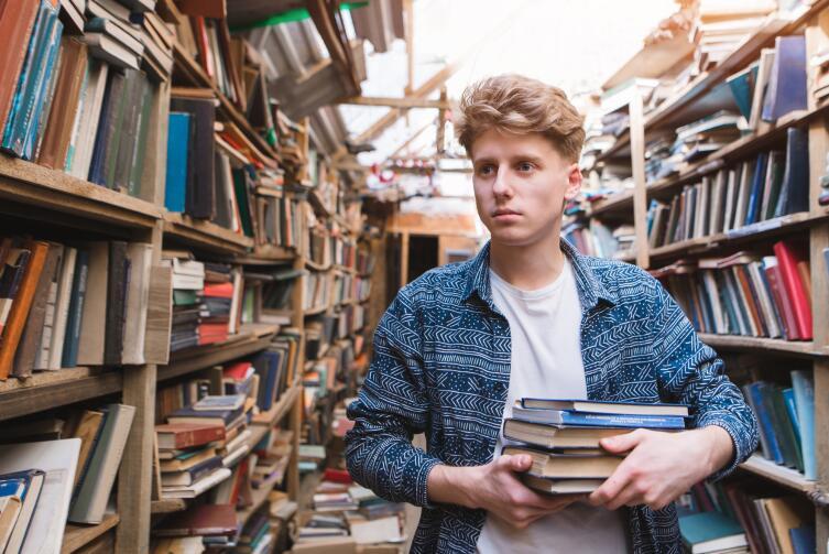 Книгу в интернете найти проще, чем в библиотеке