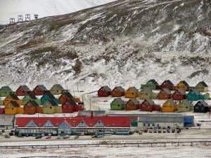 Лонгиир. Чем известен самый северный город на планете?