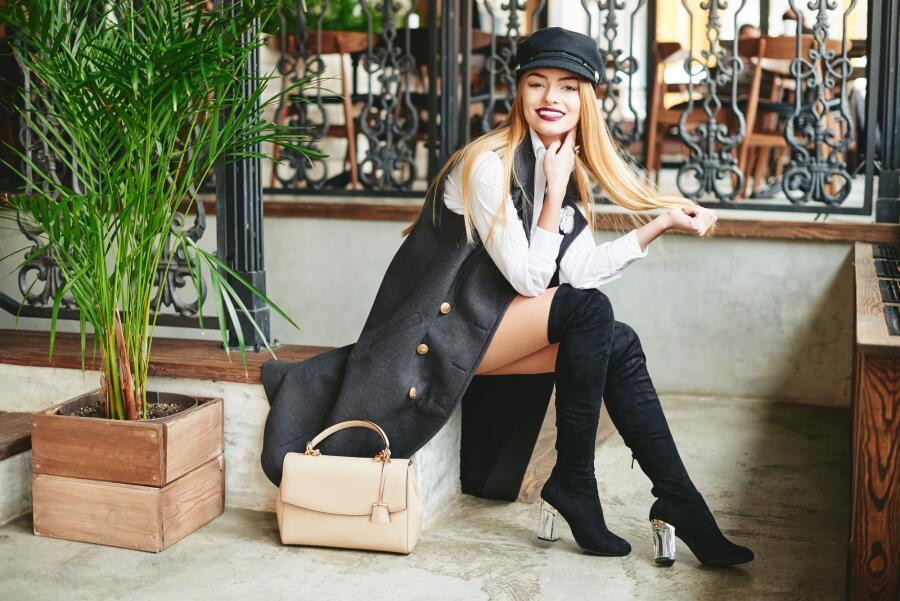 Модная обувь: что выбрать - ботильоны или ботфорты?