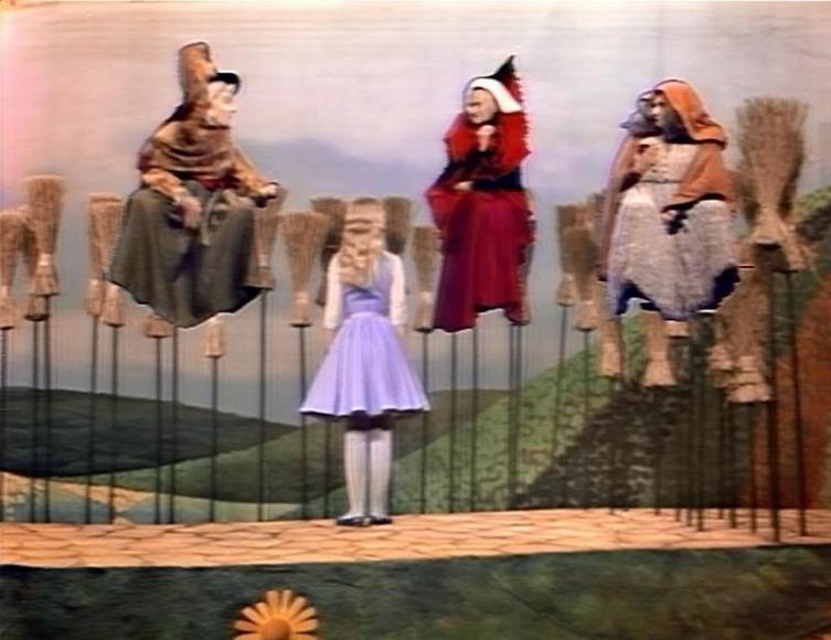 Алисин кинозал - 15. Как Алиса пела и плясала?