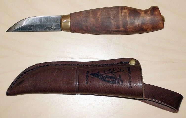 Пуукко «Ahti Tikka» с клинком из углеродистой стали