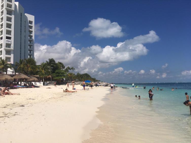 На пляжах Канкуна