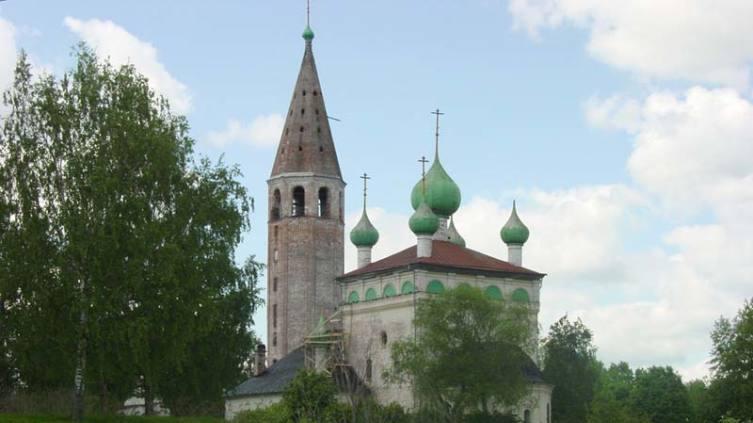 Воскресенская церковь 1705 г. в селе Вятское