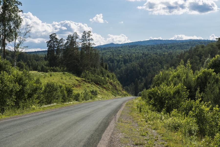 Как Урал отдавал свои богатства людям?
