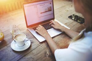 Как получать доход дома? Восемь способов заработка в Интернете