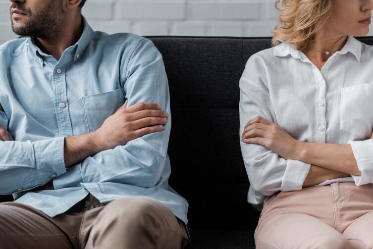 Стоит ли сохранять брак ради иллюзии семьи?