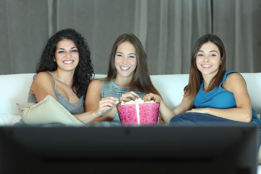 Почему люди пересматривают фильмы и сериалы?