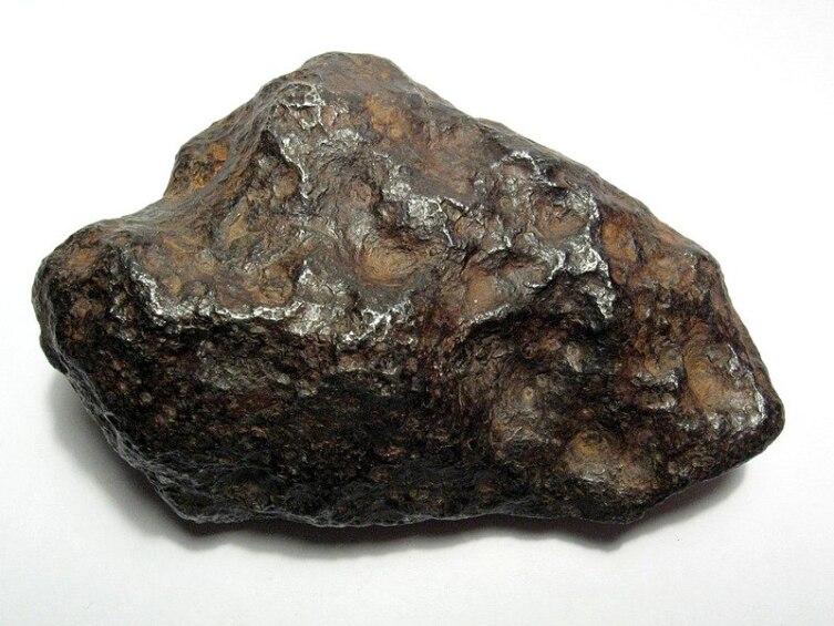 Метеорит Чинге, весом 250 кг, найденный на реке Ургайлык-Чинге