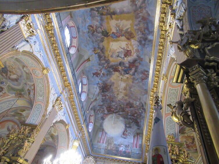 Внутри костела Св. Андрея