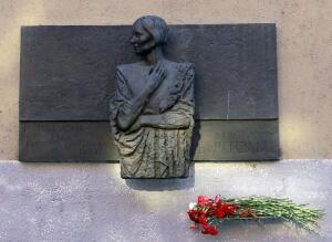 Лики. Как Ольга Берггольц стала Мадонной блокадного Ленинграда? Часть 1