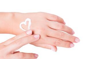Как ухаживать за руками в домашних условиях?