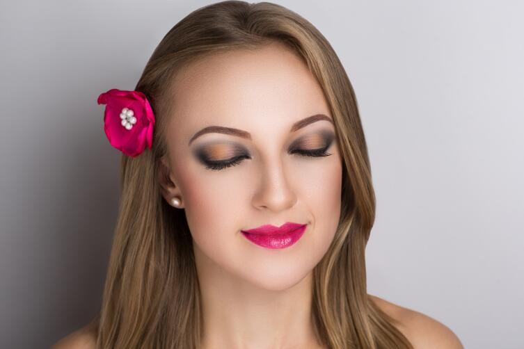 Как сделать прическу более оригинальной? Модные украшения для волос