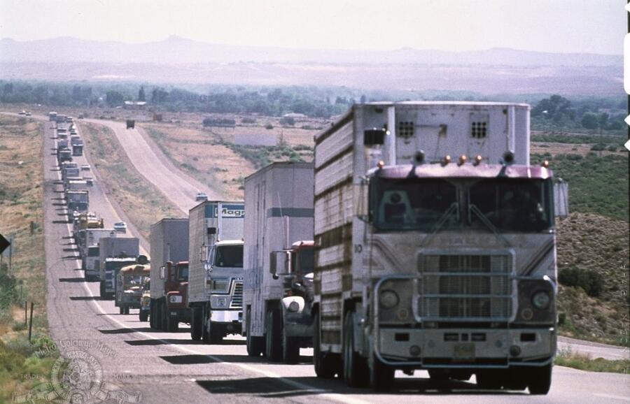 Кадр из фильма «Конвой», 1978 г.
