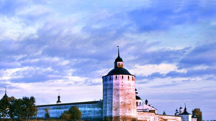 Кирилло-Белозерский монастырь с Сиверского озера