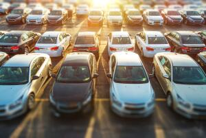 Когда вы оставляете машину на проезжей части, приглядитесь, как стоят остальные машины